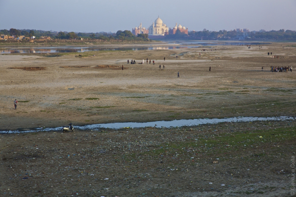 In Agra, Taj Mahal river banks